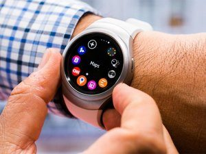la smartwatch de chez alcatel